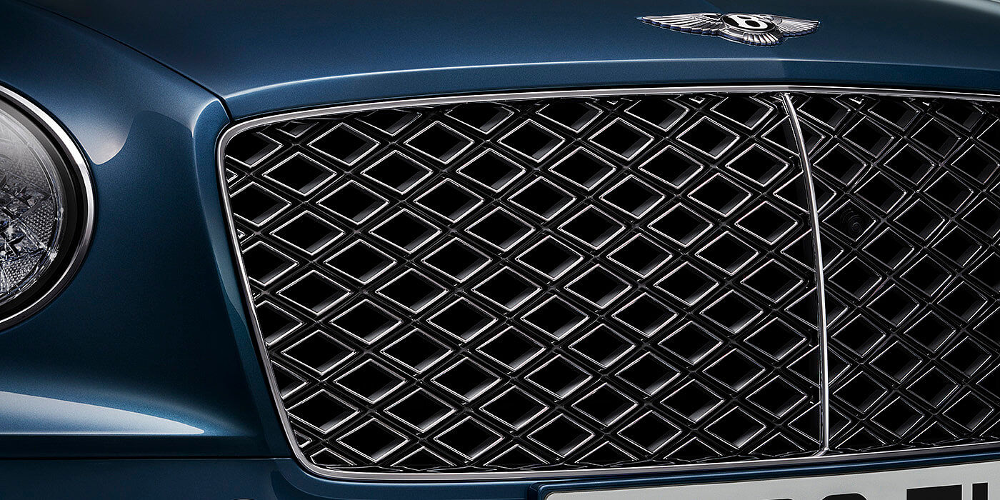 NEW-BENTLEY-CONTINENTAL-GT-MULLINER-CONVERTIBLE-DIAMOND-IN-DIAMOND-GRILLE-CLOSE-UP