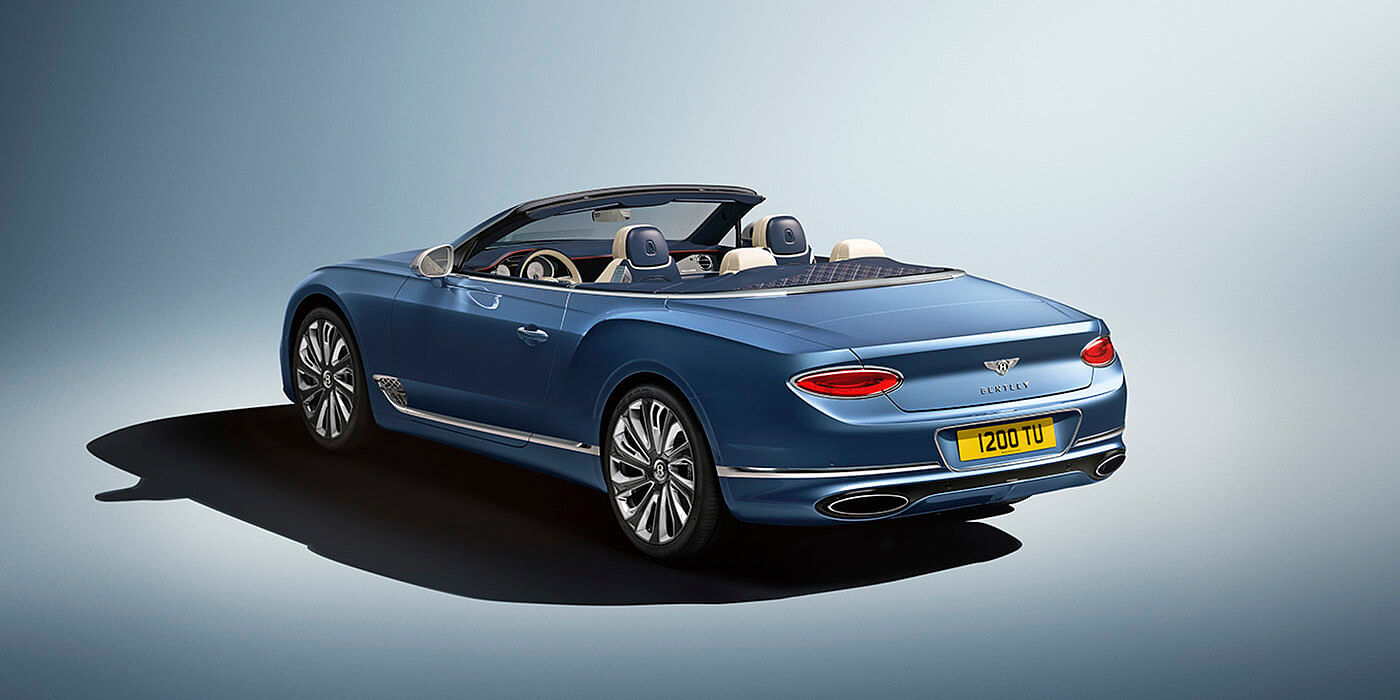 NEW-BENTLEY-CONTINENTAL-GT-MULLINER-CONVERTIBLE-REAR-THREE-QUARTERS